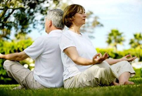 yoga cho nguoi cao tuoi